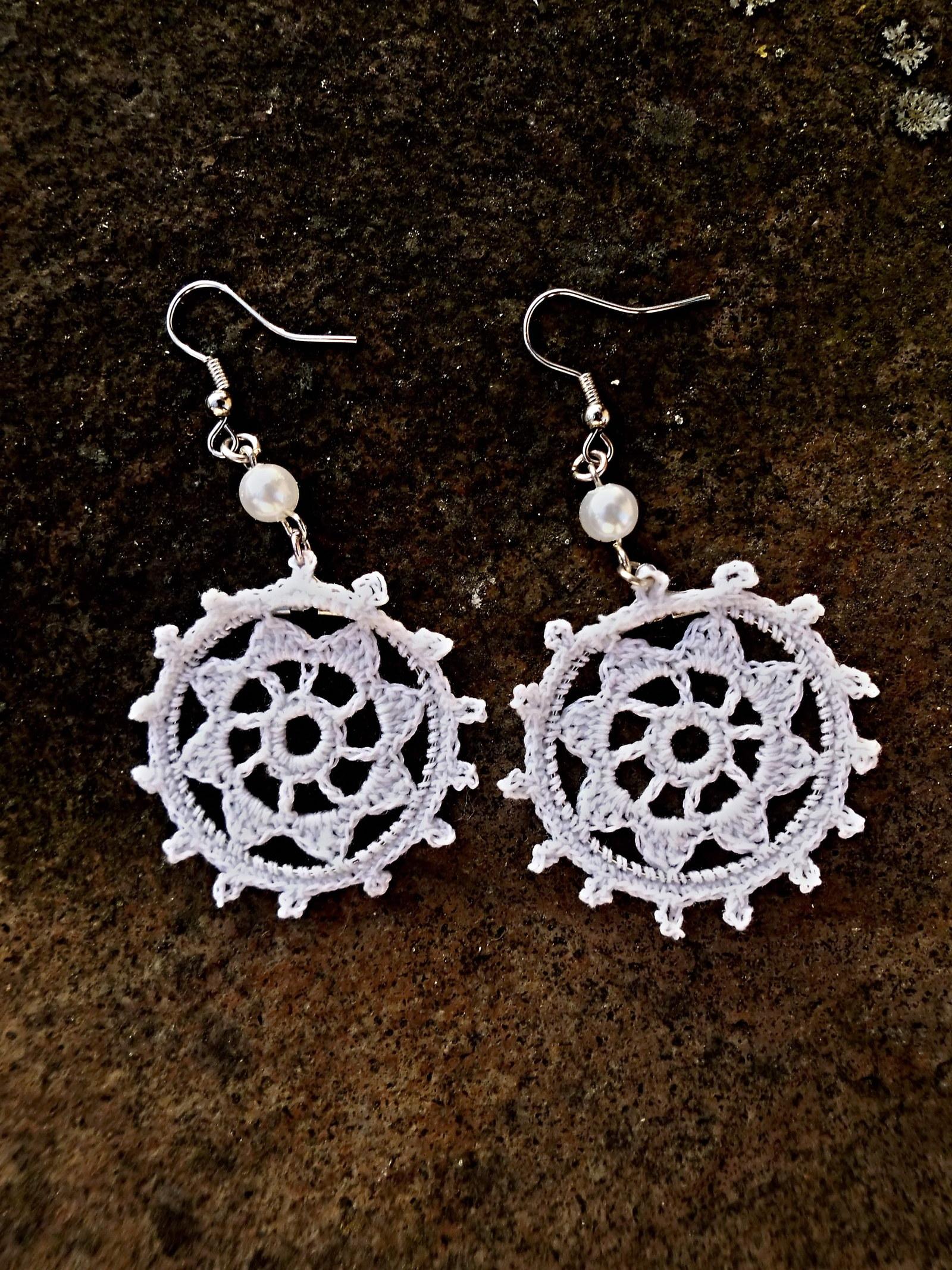 Háčkované náušnice biele 2   Zboží prodejce Snow Rose  20cc5a7b075