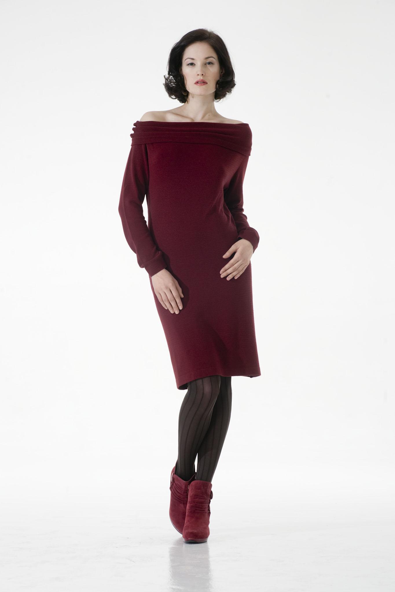 64e3f303f083 Vínové společenské šaty - jemný úplet - SLEVA 50%   Zboží prodejce ...