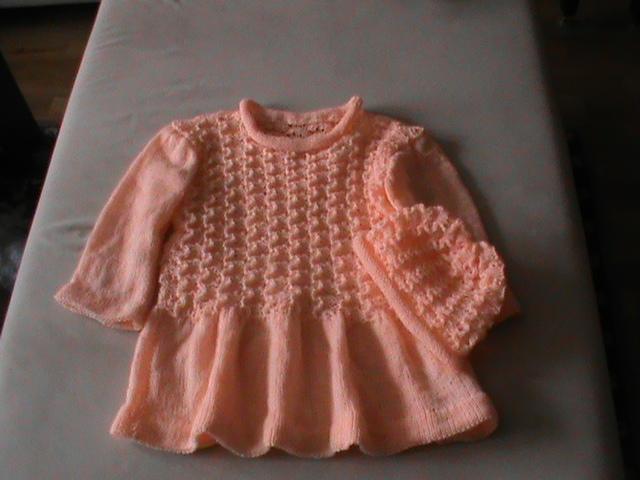 4a2780b86233 ručně pletené šatičky s čepičkou   Zboží prodejce naše miminko