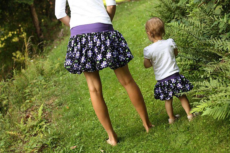 Balonové sukně s fialovými květy (mum and me) 2ks!   Zboží prodejce ... 5350ed5d2e