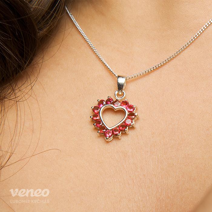 Srdce 3017 - přívěsek s rubíny   Zboží prodejce veneo  5af632cd1eb