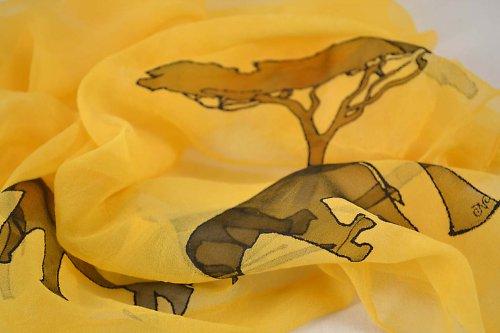 Oranžový šátek se slony PRO SUSAN A SIMONA