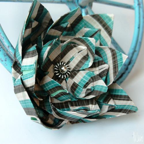 Origami květ pruhovaný - brož