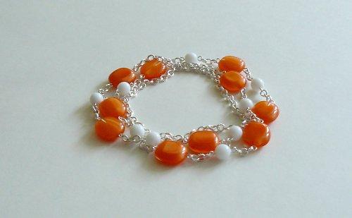 Oranžovobílý náhrdelník