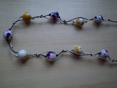 Náhrdelník žlutofialoví dalmatínci