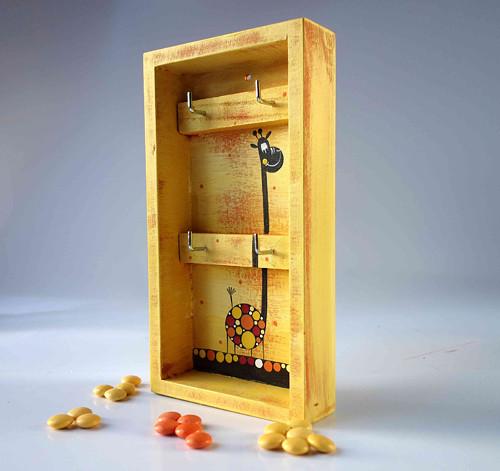 věšák na klíče s alarmem - žlutý s žirafou