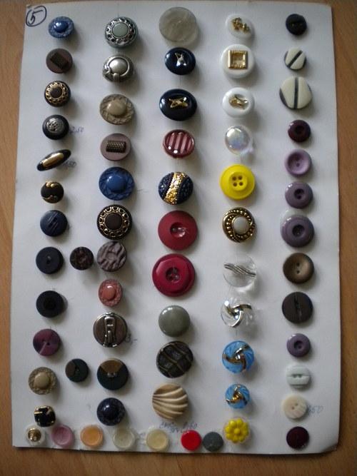 Knoflíky všech velikostí a barev
