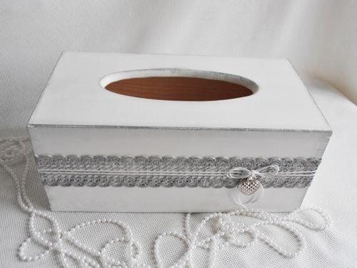 Zásobník na kapesníky- bílo-stříbrný