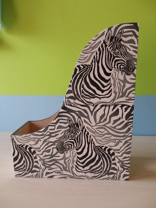 Pořadač na časopisy Zebra