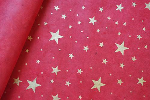 Ruční papír Lokta - červená s hvězdami