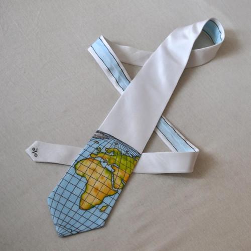 Zeměpisná kravata AFRIKA A EVROPA - bílá (SLEVA)