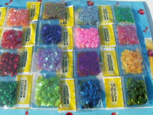 různobarevné flitry - sada 16 sáčků