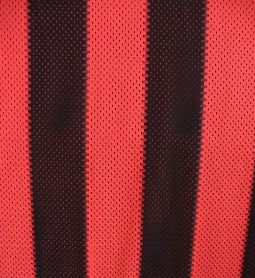 Červené pásiky