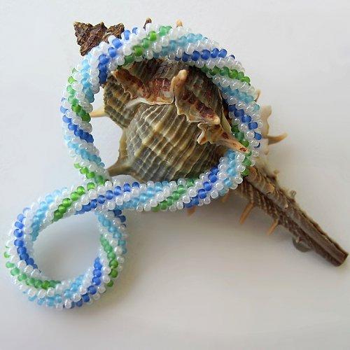 Mořská pěna - Náramek - háčkovaná spirála