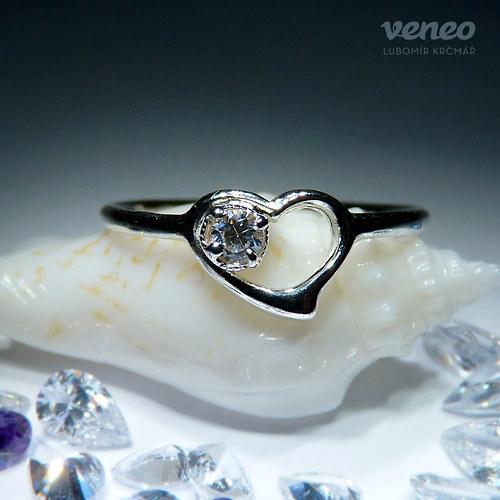 Srdíčko 043 - prsten s čirým zirkonem