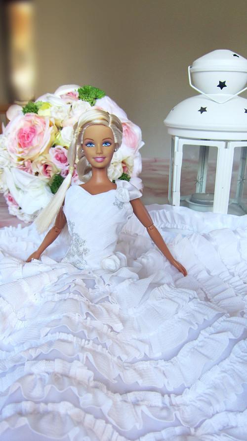 Barbie svatební šaty