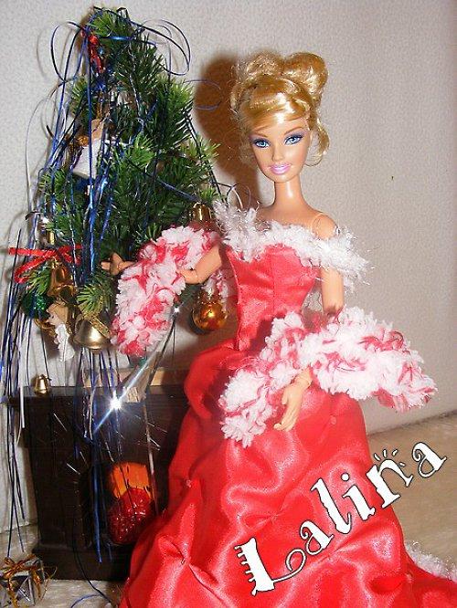 Vánoční šatičky pro panenku Barbie