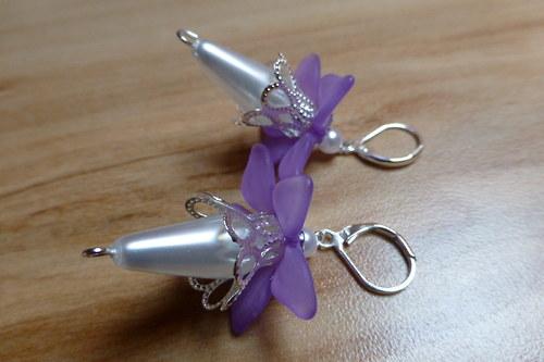 Náušnice kvítek s fialovou sukničkou