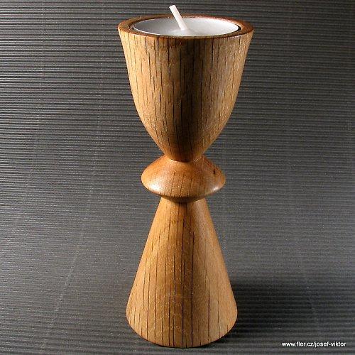 DOTEK MINULOSTI dřevěný svícen