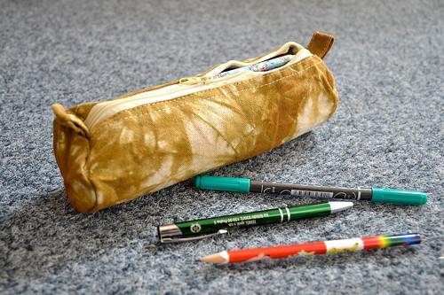 Batikovaný penál (pouzdro na tužky) - sv. khaki
