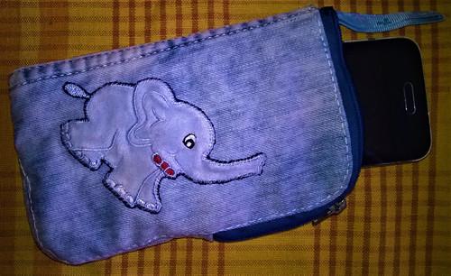 pouzdro na mobil se slonem