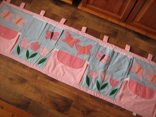Kapsář za postel Květiny.