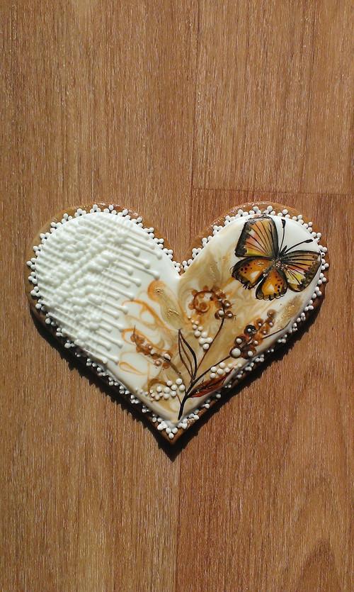 Perníkové srdce s motýlem
