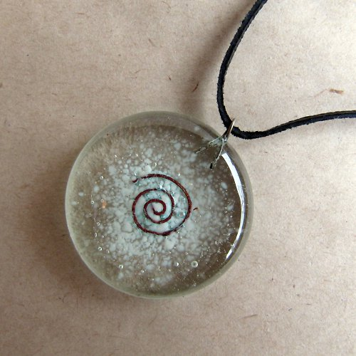 skleněný šperk