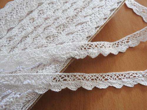 Bavlněná krajka šíře 20 mm paličkovaná bílá