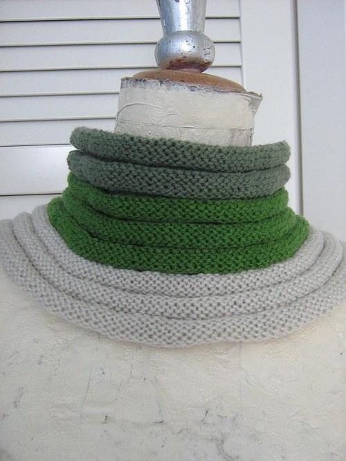 Pletený nákrčník
