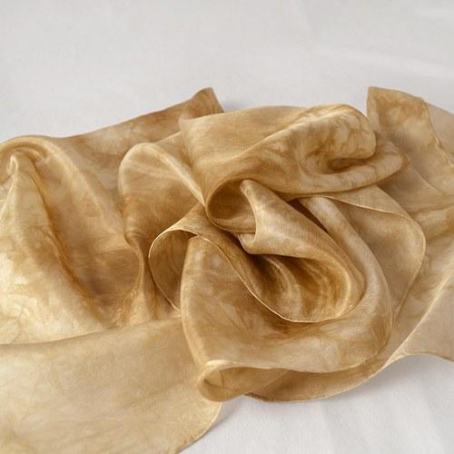 Batikovaná hedvábná šála - hnědobéžová