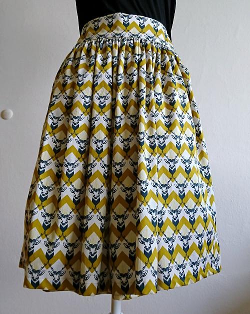 nabíraná sukně z bavlněného saténu s jelínky