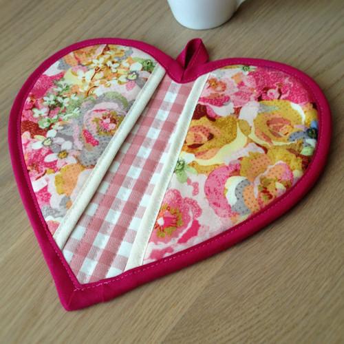 Kuchyňská chňapka srdce - Basic Rose