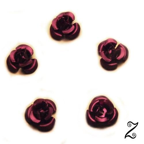 Kovová růžička, fialová střední, 12 mm (10ks)