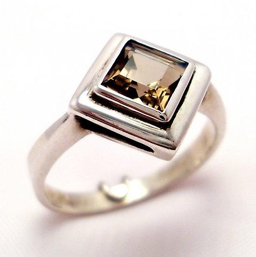 Prsten «Okínko» - stříbro 925, přírodní záhněda