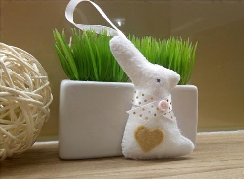 Velikonoční zajíček bílý