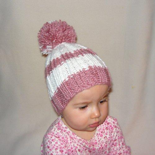 Čepička pletená z teplejší vlny pro holčičku