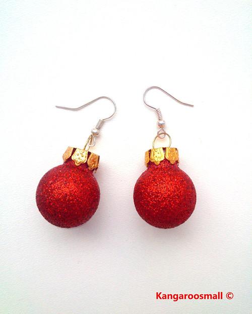 Vánoční baňky : náušnice - červené třpytivé