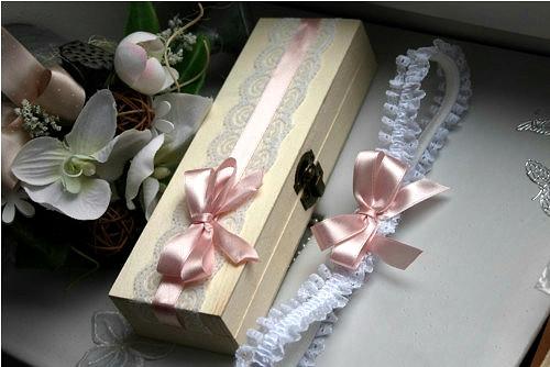 Podvazek s dárkovou krabičkou