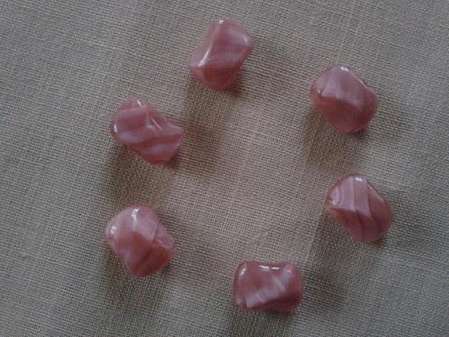 růžové korálky