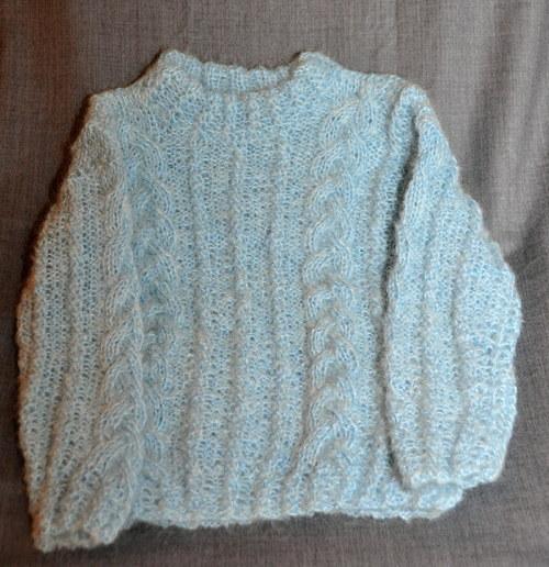 ručně pleteny svetr