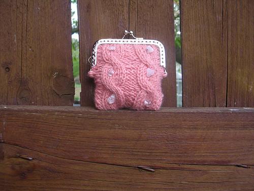 Pletená peněženka růžová s růženínem