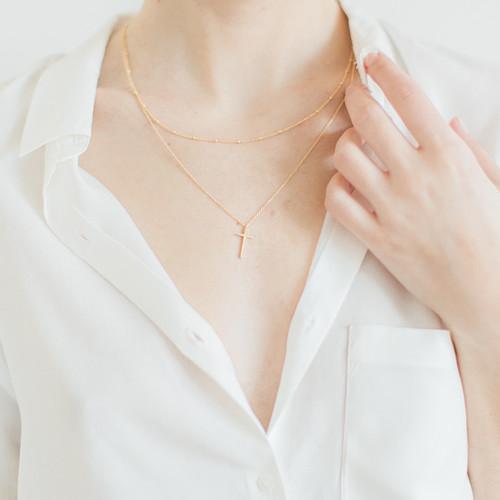 Dvojitý zlatý náhrdelník s křížkem