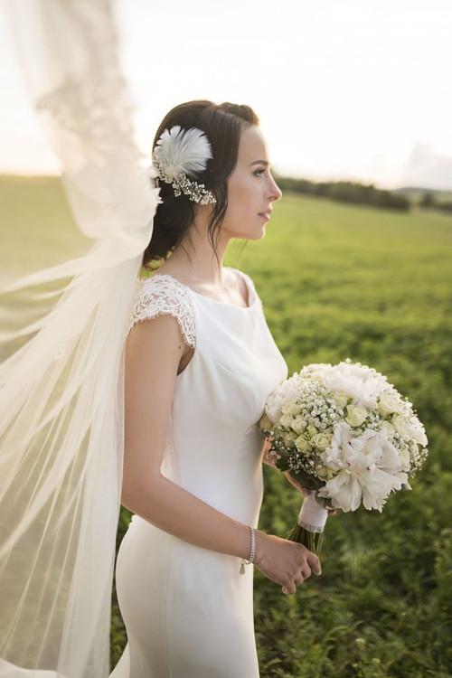 Svatební hřebínek s peříčky