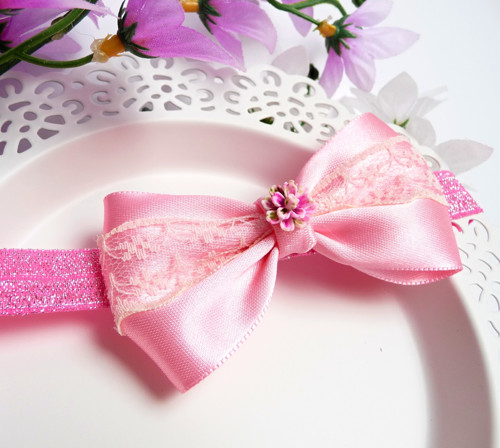 Čelenka s růžovou mašlí