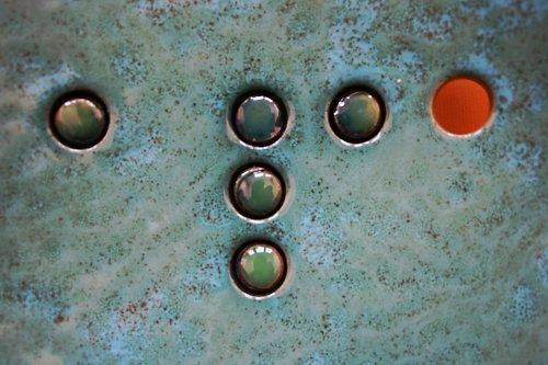 Čtvercová keramická mísa s efekty