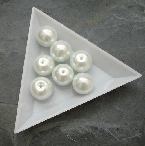 Skleněné voskované kuličky 12mm - 7 ks - bílé