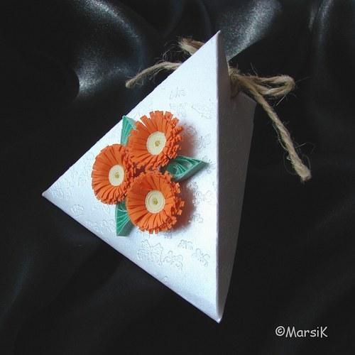 Motýlková krabička s oranžovými kvítky