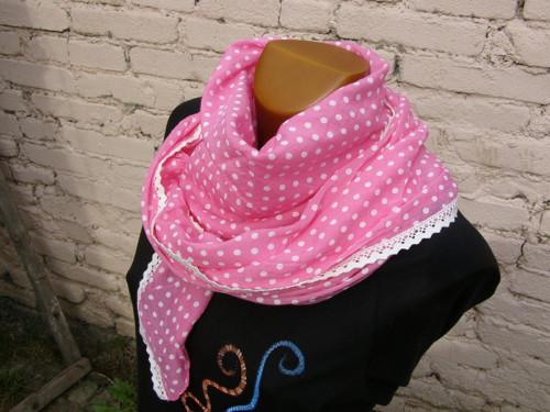 Hedvábný šátek puntíčkatý