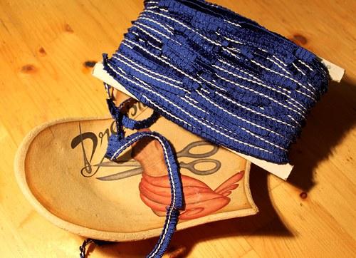 Vintage stuha modrá
